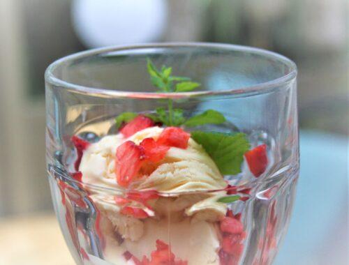 Hyldeblomst/jordbær Parfait is